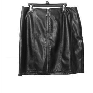 Love riche leather skirt